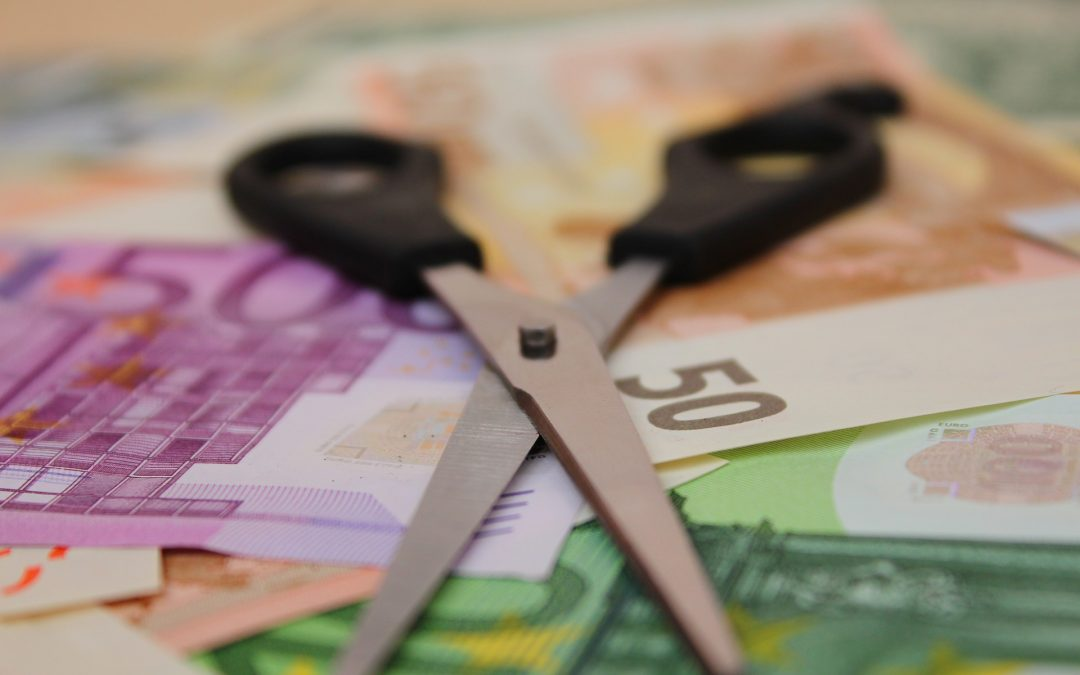 Darf das Gehalt einseitig vom Arbeitgeber gekürzt werden?